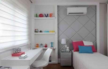 6. Invista em cores claras a decoração de quarto feminino pequeno – Foto Rocha Andrade Arquitetura