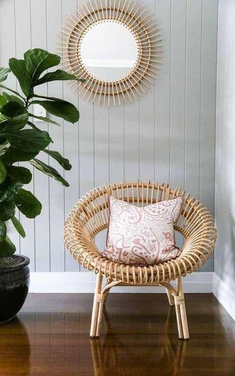 43. Poltrona de vime para sala de estar com almofada – Foto Decor acil