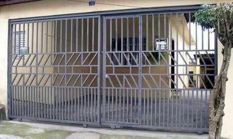 53. Portão de ferro de correr. Foto de Serralheria Zona Sul