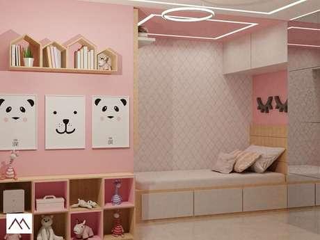 28. Guarda-roupa infantil com cama embutida com portas espelhadas. Fonte: Studio MBS Arquitetura