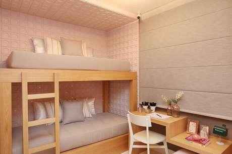29. Revestimento 3D para quarto planejado solteiro feminino pequeno com beliche – Foto Sesso & Dalanezi Arquitetura