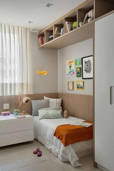 16. Quadros para quarto feminino pequeno decorado em cores neutras e claras – Foto Casa de Valentina