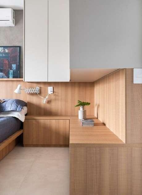 30. Guarda-roupa embutido com cama: aproveite todos os cantinhos do seu projeto. Fonte: Pinterest