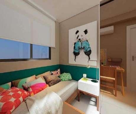 25. Quarto juvenil feminino pequeno decorado com almofadas coloridas – Foto Manga Rosa Arquitetura