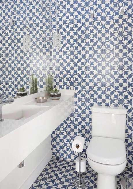 17. Modelos de azulejos para banheiro com estampa clássica. Foto: Home Fashion Trend