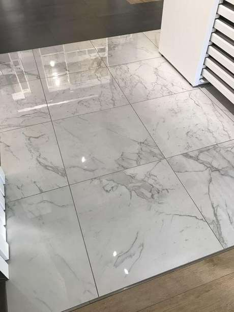 72. Lavanderia com revestimento marmorizado – Foto Pinterest