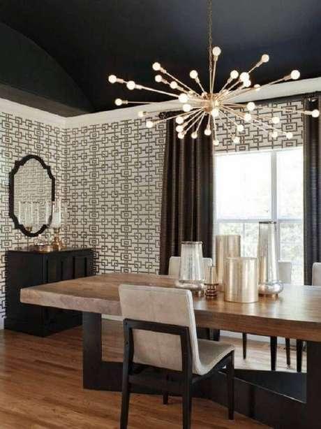 28. Luminária moderna para decoração de sala de jantar com mesa de madeira diferente – Foto domino magazine
