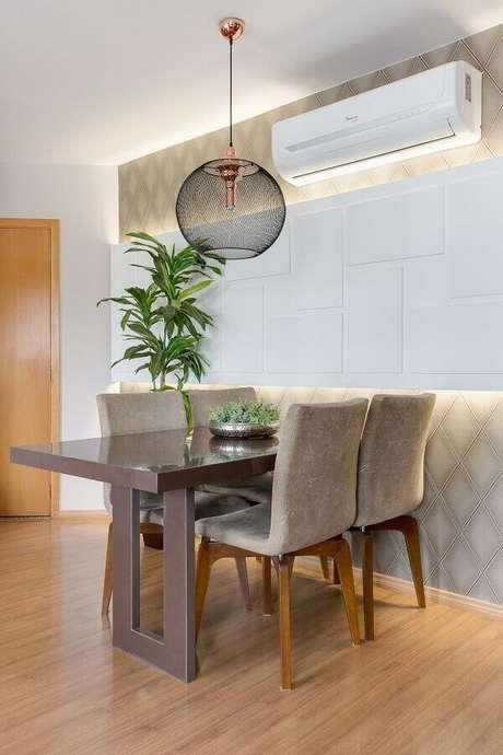 21. Luminária de teto moderna para decoração de sala de jantar – Foto Cláudia Comparin