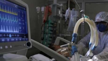 UTI em São Paulo; pesquisa com farmacêuticos de hospitais paulistas despertou preocupação com o desabastecimento de medicamentos cruciais