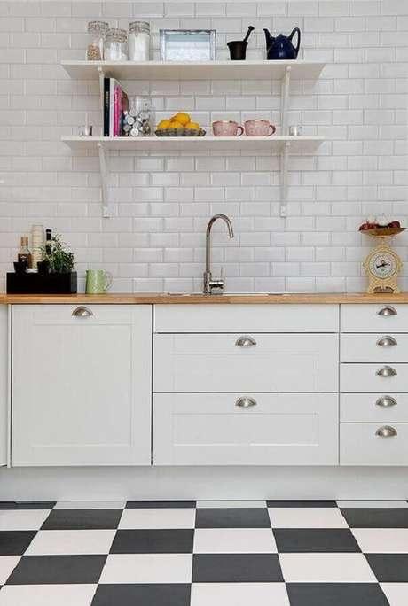 53. Piso preto e branco para decoração de cozinha com metro white Foto Casa de Valentina