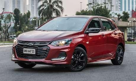Líder de vendas em fevereiro, Chevrolet Onix seminovo chega a custar 1,83% a mais do que unidade zero quilômetro.
