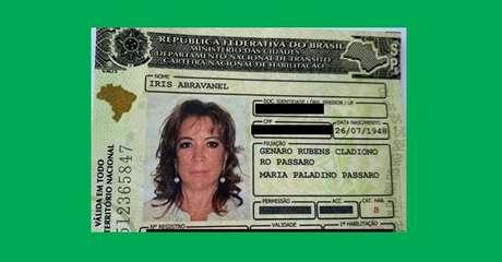 Foto da CHN prova a idade de Iris Abravanel: autorizada a tomar a primeira dose em São Paulo