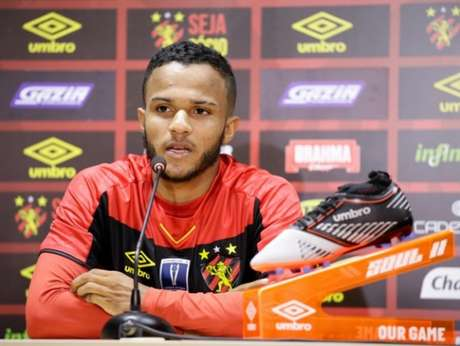 Atleta de 21 anos de idade defendeu Corinthians e Santo na base (Anderson Stevens/Sport Recife)