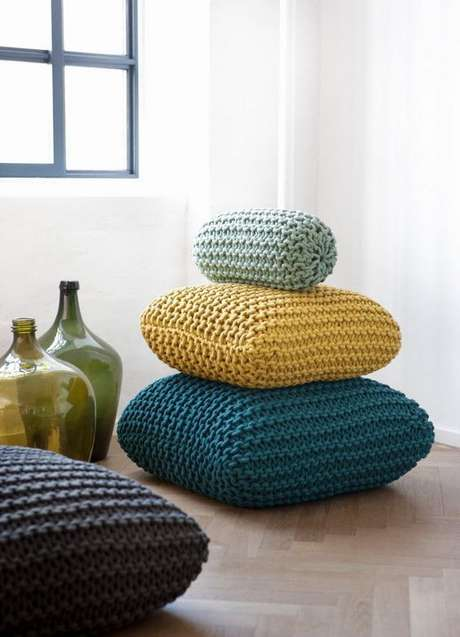 10. Almofada de crochê para sala confortável – Foto Circulo