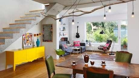 9. O aparador amarelo renova o astral da casa. Fonte: Pinterest
