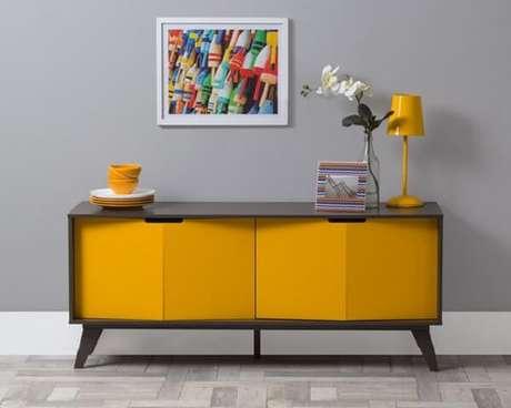 12. Aparador amarelo com design moderno. Fonte: Pinterest