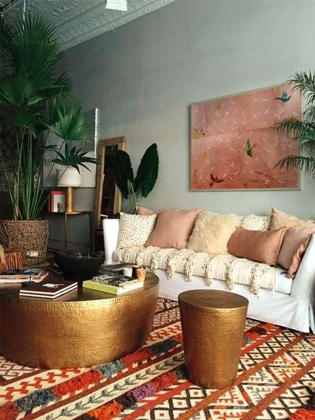 21. Sala de estar com tecido para almofada diferentes – Foto Casa Vogue
