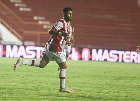 Atleta fez 34 jogos e contabiliza dois gols desde que chegou ao Timbu (Tiago Caldas/CNC)