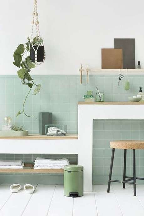 44. Revestimento verde claro para sala de estar – Foto Ctendance