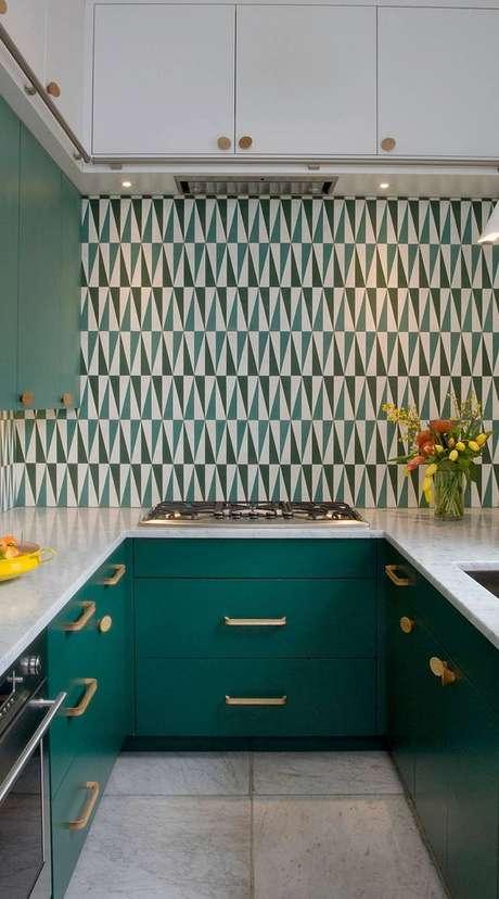 28. Cozinha verde moderna – Foto Backsplash