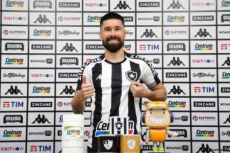 Ricardinho foi apresentado (Foto: Vítor Silva/Botafogo)
