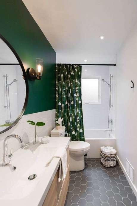 52. Revestimento verde na parede do banheiro – Foto Quotes Christian