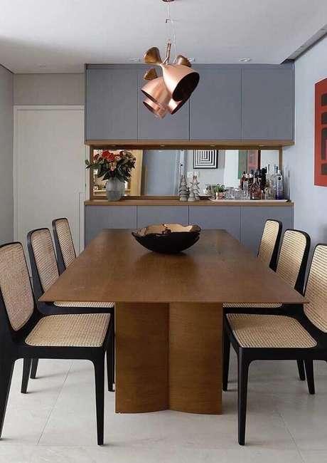 1. Escolha cadeiras para mesa de jantar que vão se destacar na sua decoração – Foto: Andreas Móveis