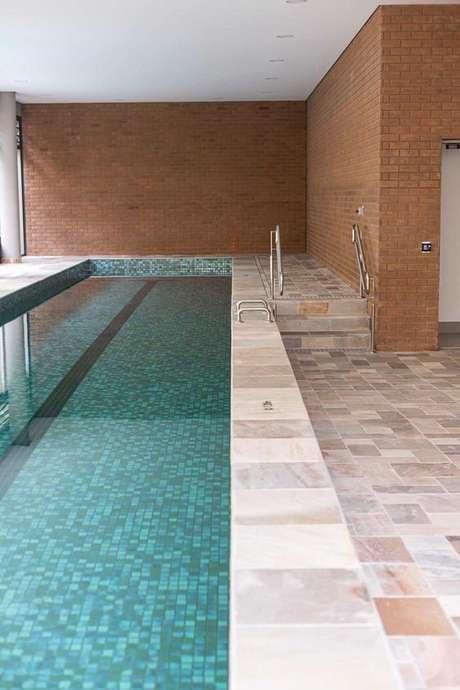 59. Revestimento verde para piscina – Foto Casa de Valentina
