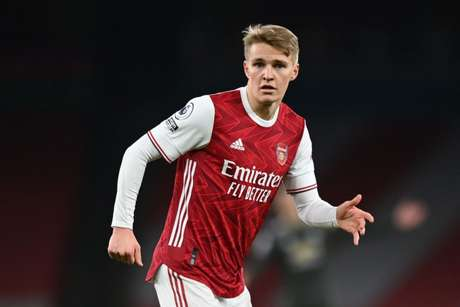 Arsenal busca meios para permanência de Odegaard (Foto: SHAUN BOTTERILL / POOL / AFP)