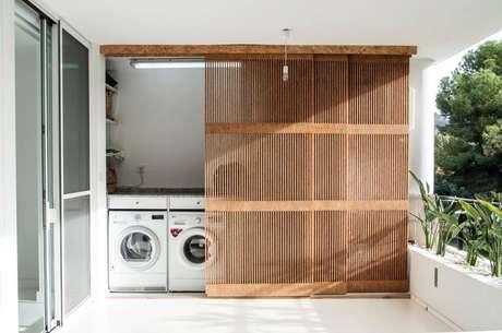 38. Área gourmet com lavanderia escondida – Foto Faz Facil
