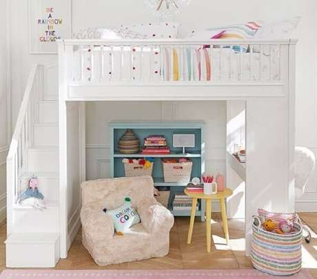 25. Modelo de cama solteiro mezanino para quarto infantil. Fonte: Pinterest