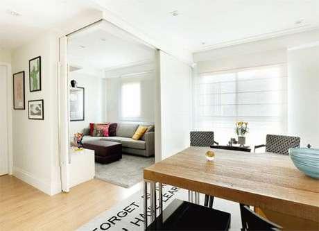 12. Apartamento pequeno com porta de correr para sala – Foto Pinterest