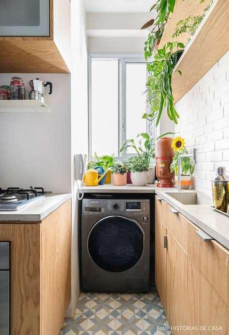 10. Área gourmet com lavanderia planejada pequena – Foto Histórias de Casa