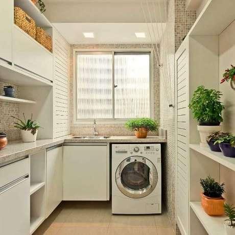 33. Lavanderia planejada com máquina de lavar – Foto Pinterest