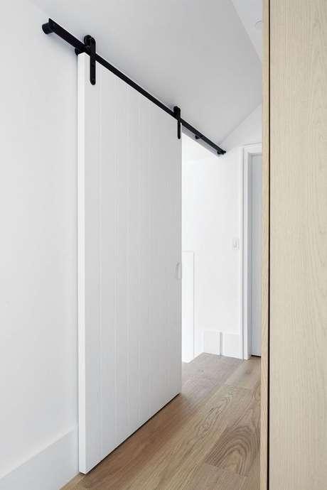 26. Porta de correr para sala branca – Foto Hakwood