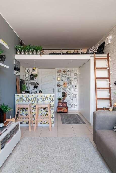 63. A cama mezanino é uma ótima alternativa para quem mora em casas pequenas. Fonte: Minha Casa Abril