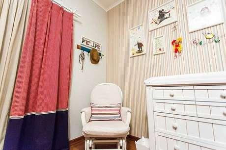 33. A poltrona de amamentação pode ser combinada com uma cadeira de balanço. Projeto por Beatriz Zamperlini.