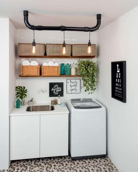17. Lavandeira pequena com prateleiras e armários prático -Foto-Pinosy
