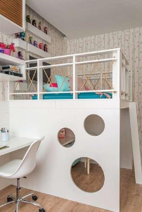 58. A cama solteiro mezanino para quarto infantil permite que a criança tenha mais espaço no ambiente. Fonte: NaToca Design