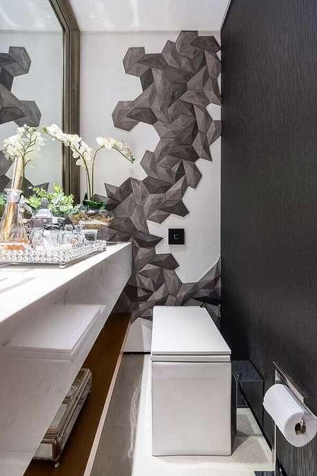 50. Banheiro social moderno decorado com parede preta – Foto: Futurist Architecture