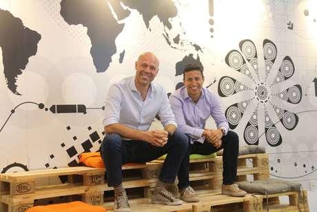 A Vórtx, fundada por Alexandre Assolini (esq.) e por Juliano Cornacchia (dir.), é uma fintech dedicada ao back office do mercado financeiro