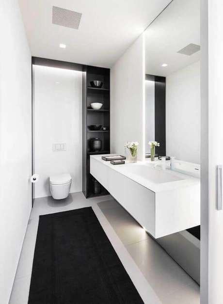 3. Decoração minimalista para banheiro social preto e branco – Foto: Architecture Art Designs