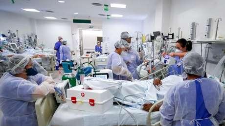 A intubação é um procedimento essencial para tentar salvar pacientes graves com insuficiência respiratória aguda