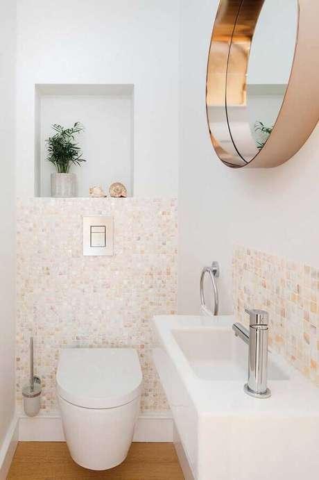 4. As cores claras ajudam na sensação de amplitude do banheiro social pequeno – Foto: Architecture Art Designs