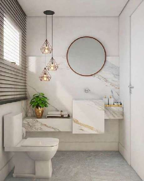 25. Pendente para banheiro social clean decorado com bancada de mármore – Foto: Fashion Bubbles