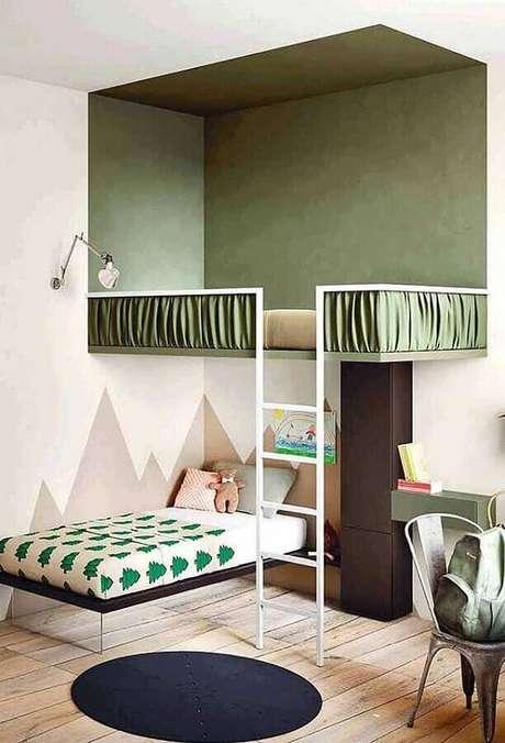 35. Tinta verde oliva para decoração de quarto infantil com cama suspensa – Foto: Yandex