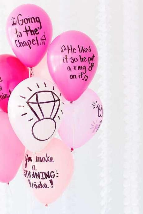10. Utilize balões para a decoração de noivado simples – Foto: Balloon Time
