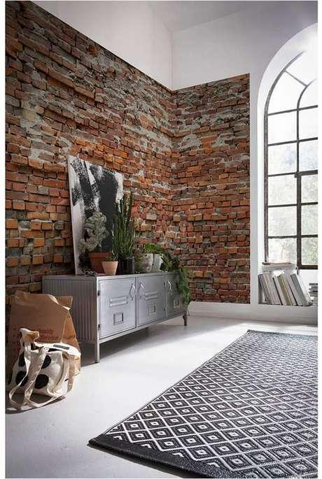 7. Sala com papel de parede rustico – Foto Macys