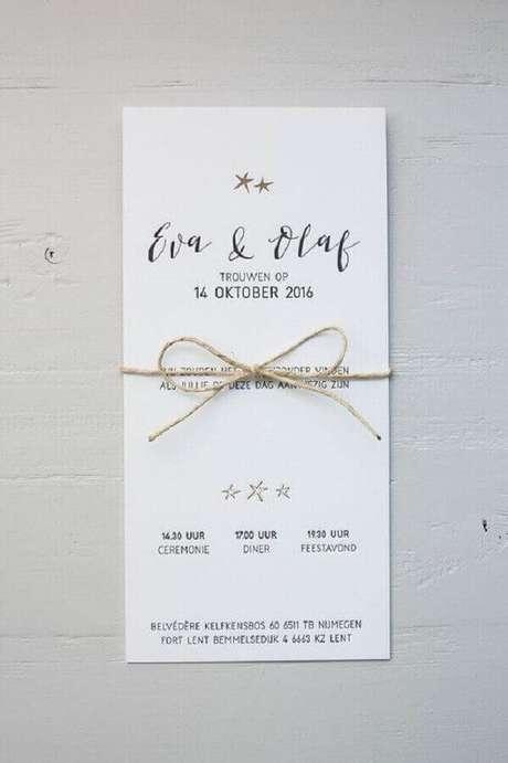 30. Modelo de convite de noivado simples com laço de barbante – Foto: Pinterest