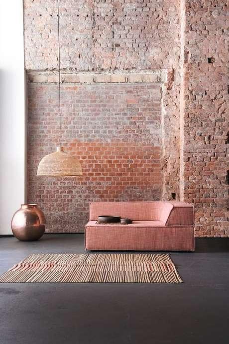 21. Escritório com papel de parede rustico – Foto Home Adore